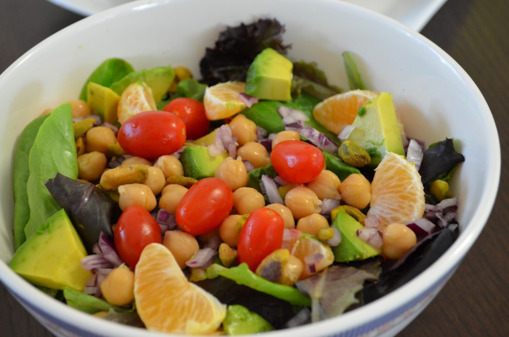Eat to Live Diet Day 3 Salad // MyMommaToldMe.com