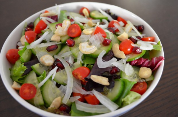 Lunch salad on Dr Fuhrman Eat to Live Plan Nutritarian menu everything I eat MyMommaToldMe.com