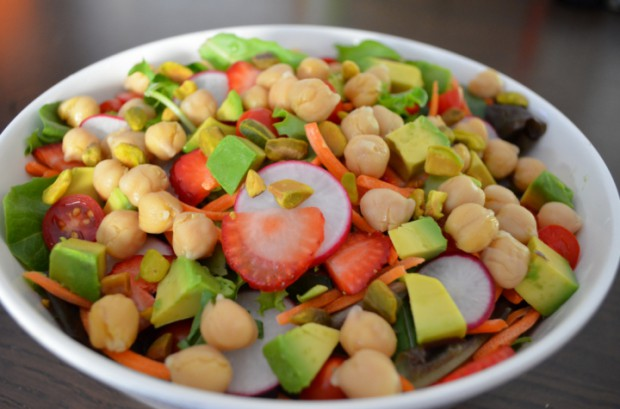 Dinner salad what I ate on Day 24 of Dr Fuhrmans Eat to Live Nutritarian Plan MyMommaToldMe.com