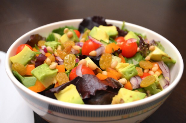nutritarian eat to live dinner salad MyMommaToldMe.com