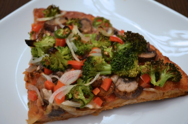 Eat to Live freindly vegan pizza nutritarian Dr Fuhrman MyMommaToldMe.com