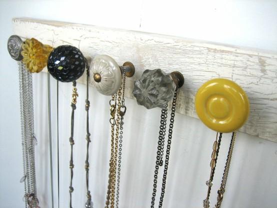 knob jewelry display idea stella and dot jewelry display