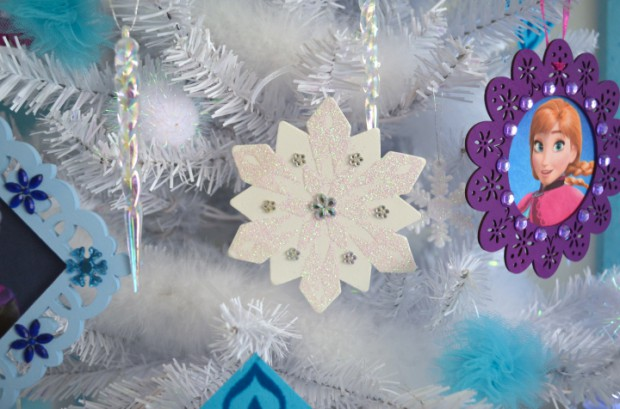 DIY Disney Frozen Christmas Tree | Hello Nutritarian