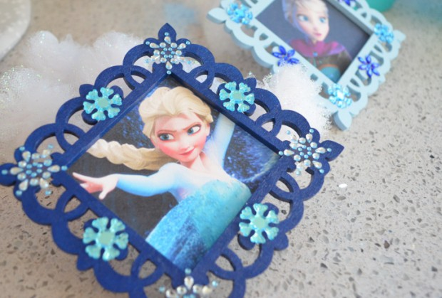 Frozen Christmas tree Ornaments tutorial MyMommaToldMe.com