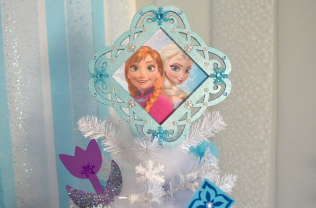 Disney Frozen Christmas Tree Topper white Christmas tree :: MyMommaToldMe.com
