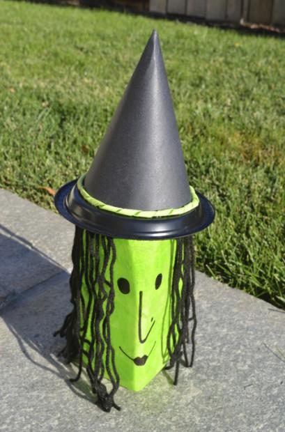 DIY Outdoor Halloween Decoration Milk Jug Witch Craft MyMommaToldMe.com