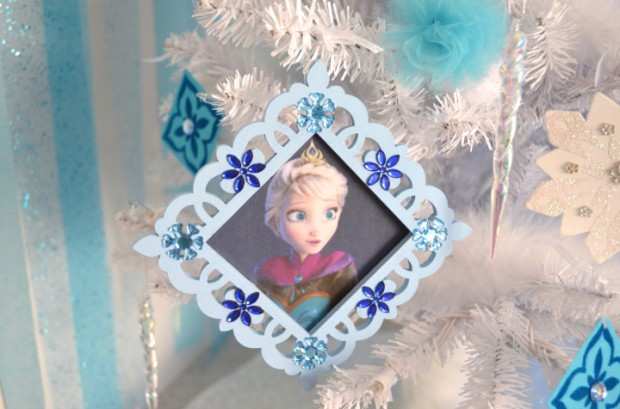 Elsa Coronation Dress Christmas Ornament DIY by MyMommaToldMe.com
