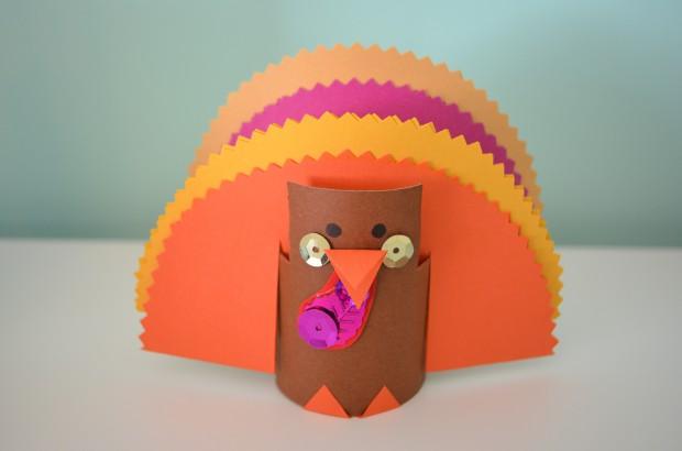Thanksgiving turkey toilet tube cardboard construction paper craft MyMommaToldMe.com