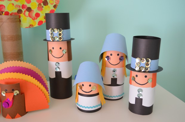 Toilet tube craft pilgrim Thanksgiving family play set MyMommaToldMe.com