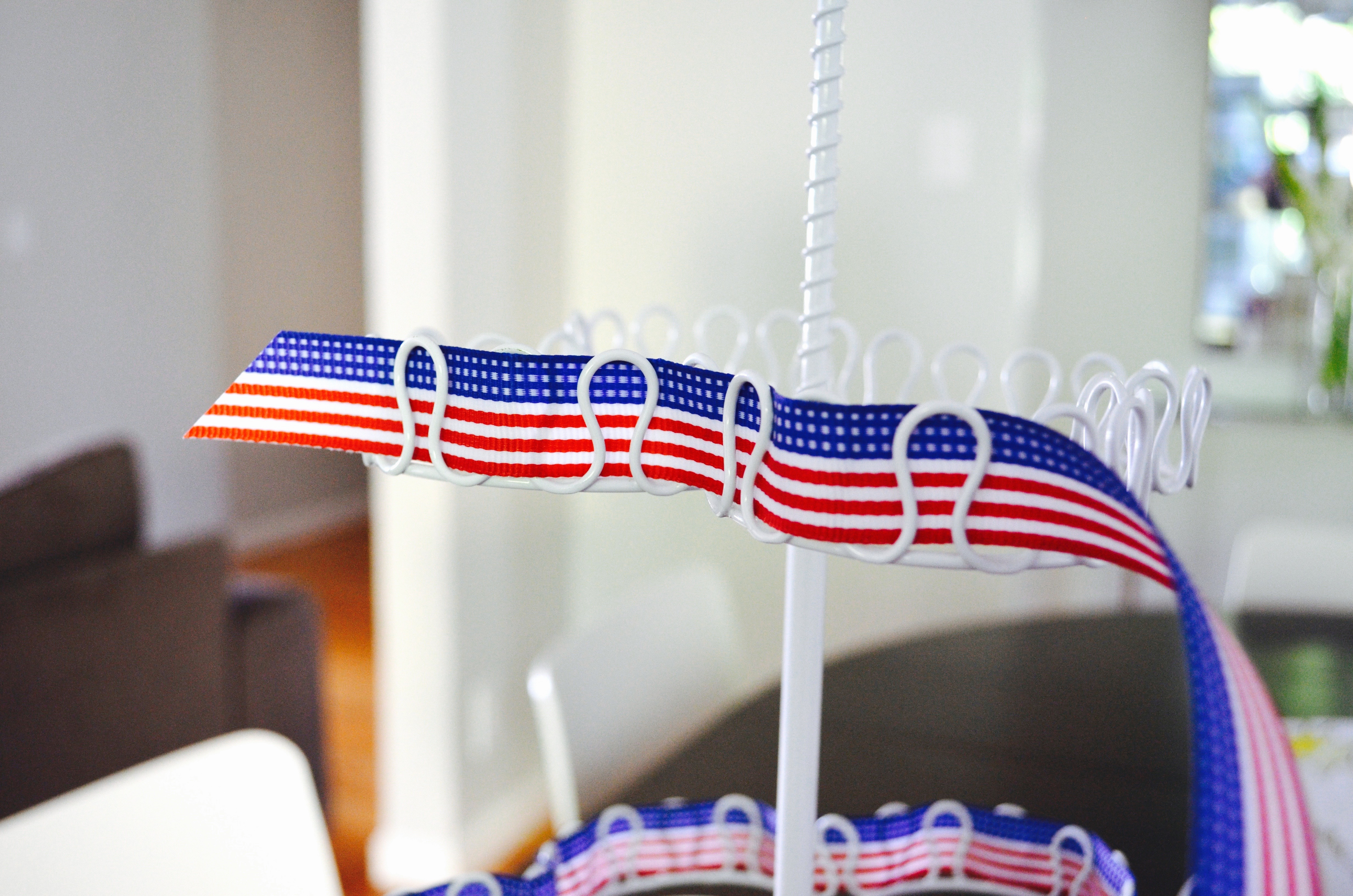Fourth of July cupcake tower tutorial MyMommaToldMe.com