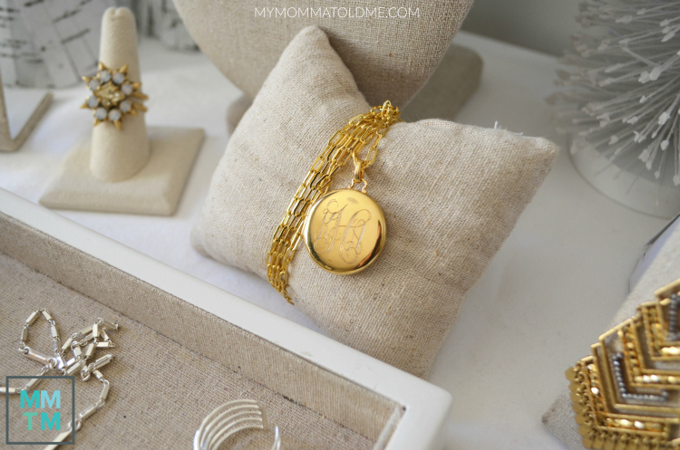 Stella & Dot Momento Locket Gold Stella & Dot pop up shop display ideas